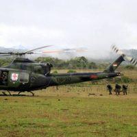 Prajurit TNI AD dari Batalyon Tim Pertempuran (BTP) Yonif 715 MTL, Kodam VII/Wirabuana Mengikuti Latihan Pertempuran Antar Kecabangan